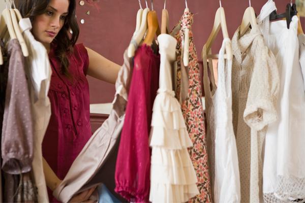 como-evitar-mofo-roupas