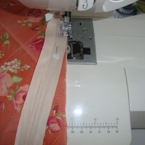 ziper costurado em zigue-zague